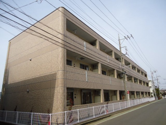 アイリス【現地待ち合わせ可】 賃貸マンション