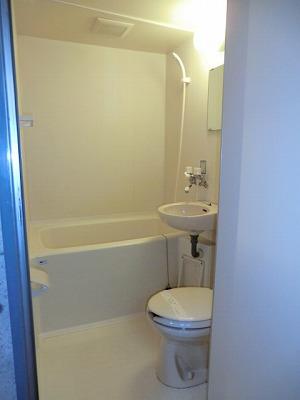 居室きれいなバス・トイレ