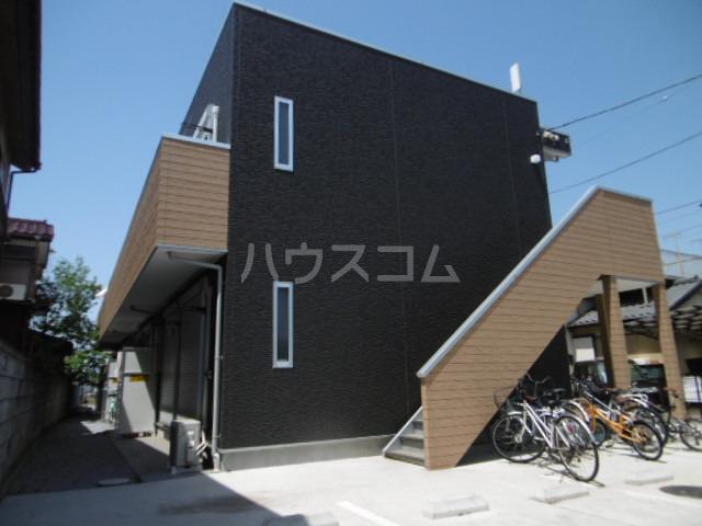 ブラックサンモール秋山 賃貸アパート