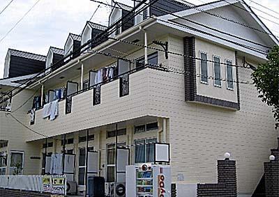 レオパレス港南中央 賃貸アパート