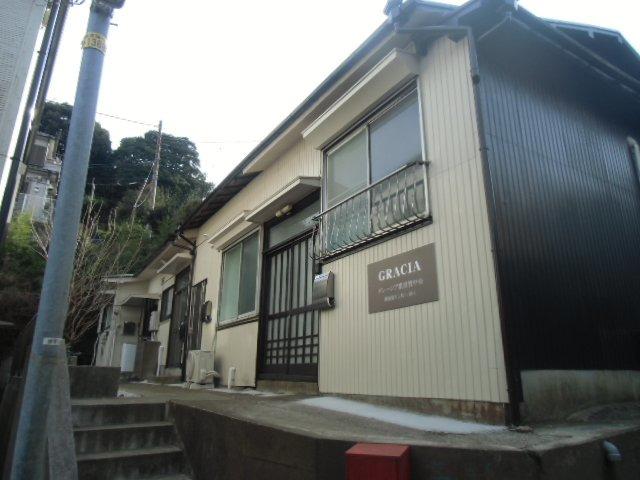 グレーシア横須賀中央 賃貸アパート
