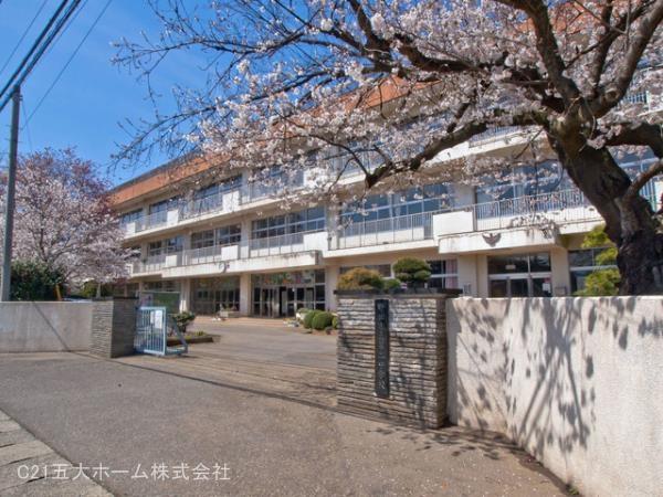 現地周辺野田市立第二中学校 370m