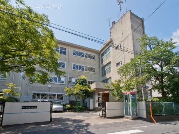 現地周辺松戸市立第三中学校 1560m