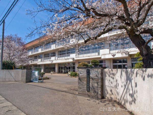 現地周辺野田市立第二中学校 780m