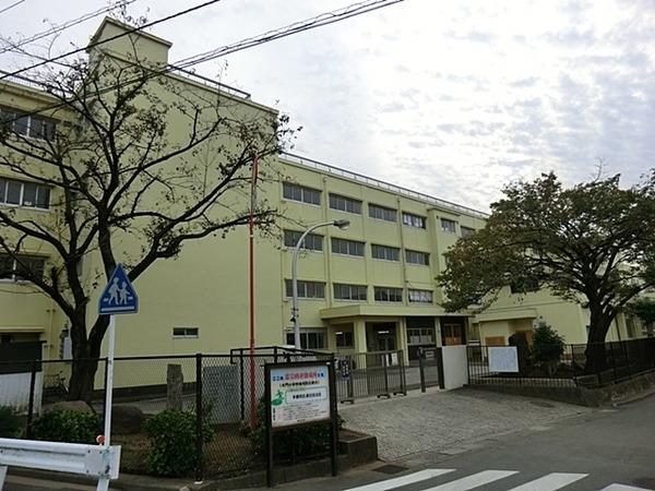 現地周辺横浜市立大門小学校 450m