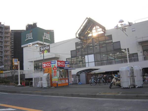 現地周辺Fuji善行店 1074m