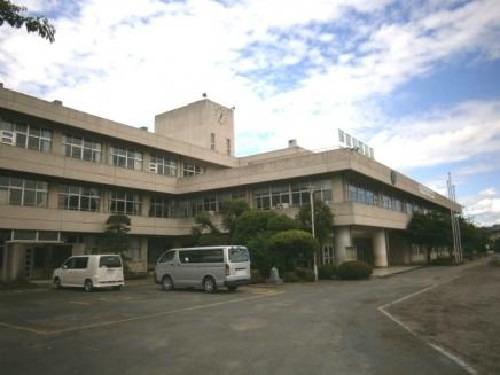 現地周辺毛呂山町立川角小学校(徒歩10分です。)