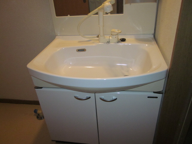 居室 750Wのシャンドレ付き洗面台