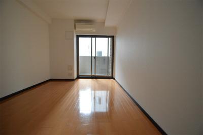 堺筋本町 徒歩2分 13階 1K 賃貸マンション