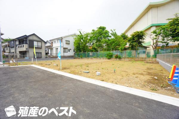 外観小金井市緑町4丁目の土地全3区画。約33坪の土地は自由なプランニングでの建築が可能。