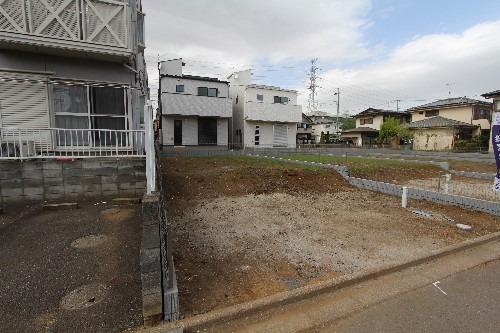 外観現地写真2018年4月撮影 敷地36坪のゆとりある土地です。