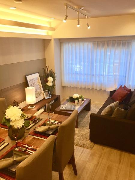 高級感ある室内に豪華インテリア付 現代的ウォーククローゼット/東京都港区南麻布4丁目