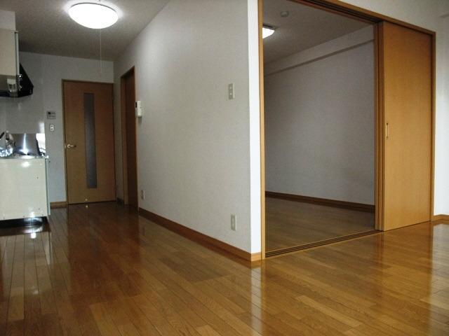 居室LDKから洋室