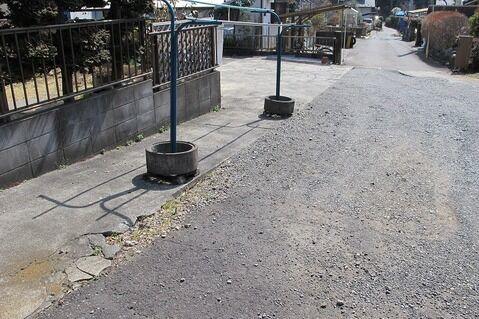 その他町田市相原町の売地です。自然に囲まれた閑静な住宅街に位置しています。幼稚園や病院、コンビニエンスストアなどが徒歩圏内にあり住環境良好です。