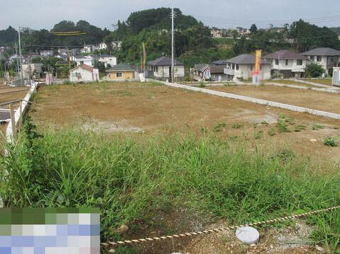 その他広々土地ですのでお好みの住宅を建築可能です。分譲地なので年齢層も合いやすいので、お勧の住宅用地です。