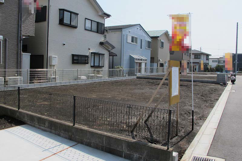 その他区画整理された開発地です。バス停まで2分です。日当たり良好。静かな住環境です。是非ご覧になってみてください。
