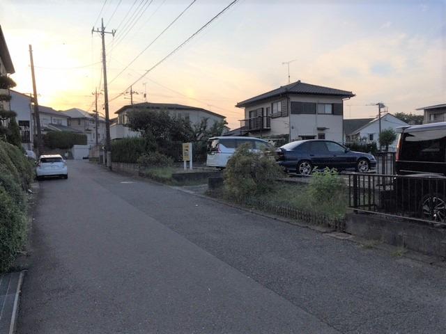 その他鶴川駅から徒歩9分、小学校、中学校は近く安心して送り出せます。43坪を超える大きな土地ですからいろいろな我儘をかなえられます。