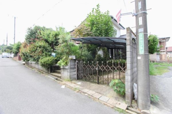 その他現地土地写真:閑静な住宅地に位置し、南道路の陽当りの良