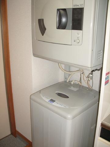 洗濯機と乾燥機完備