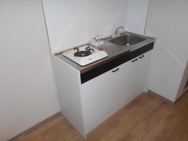 居室1口ガスコンロ 冷蔵庫置き場