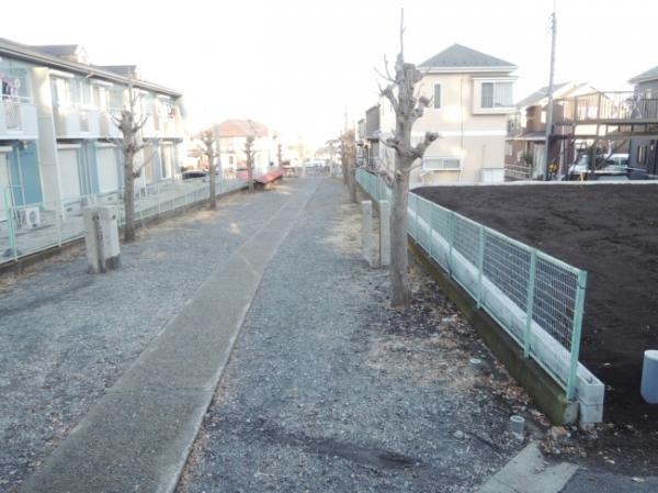 外観1・2号棟北西側は神社参道につき建物がありません