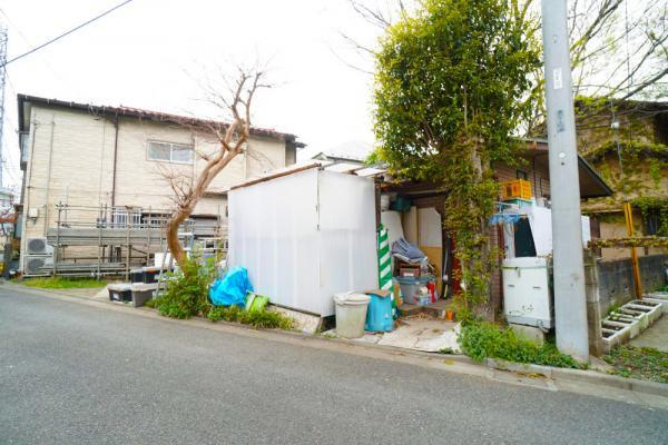 外観第一種低層住居専用地域で落ち着いた住環境です。