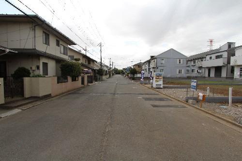 外観現地写真2018年4月撮影 前面道路