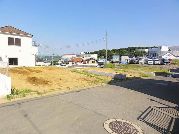 現地周辺読売ランド前駅