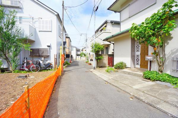 外観JR中央・総武線「東中野」駅徒歩約5分の高級邸宅街に立地しています。