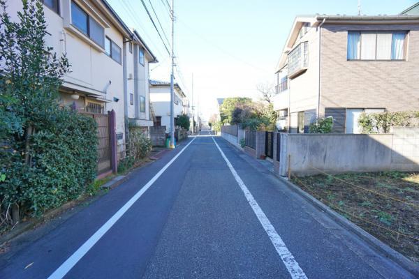 外観第一種低層住居専用地域の閑静な住宅街です。