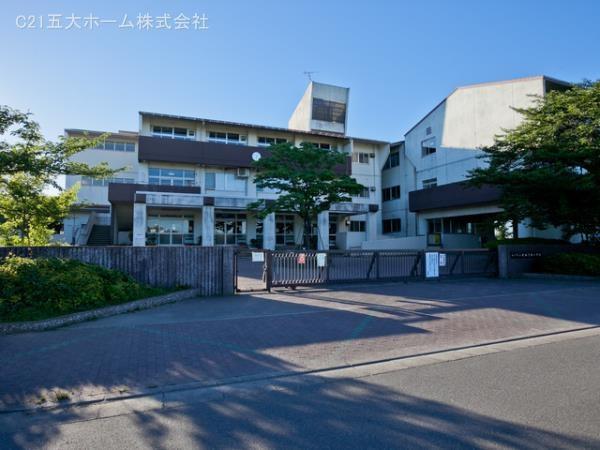 現地周辺松戸市立新松戸西小学校 320m