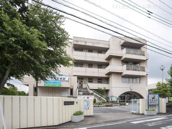 現地周辺三郷市立早稲田小学校 600m