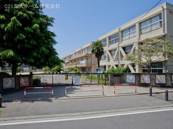 現地周辺松戸市立常盤平第二小学校 400m