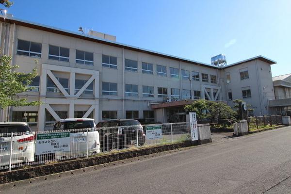 現地周辺大垣市立安井小学校 730m