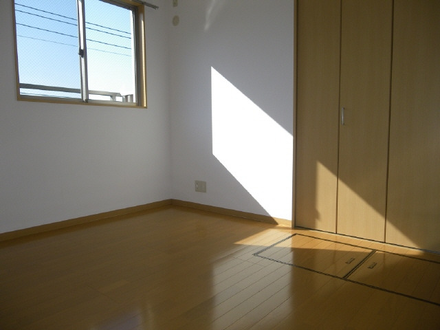 5帖の角部屋に床下収納庫