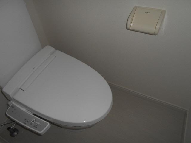 居室温水洗浄便座で快適お手洗い