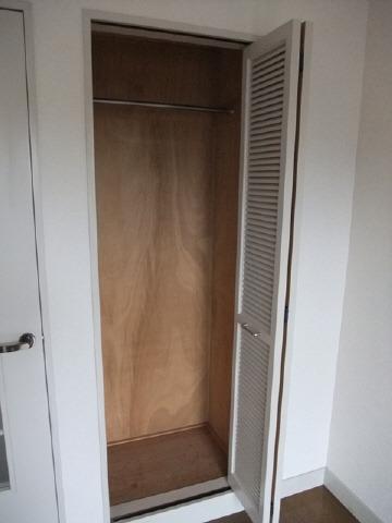 居室洋室収納