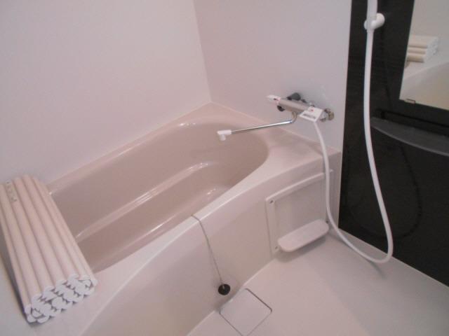 居室浴槽大きくてゆったりしてます
