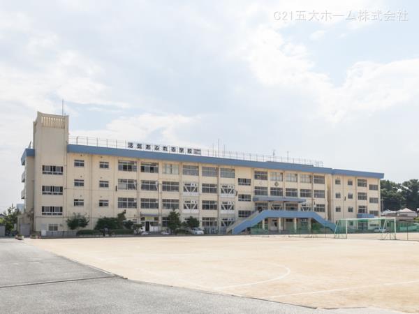 現地周辺市川市立下貝塚中学校 380m