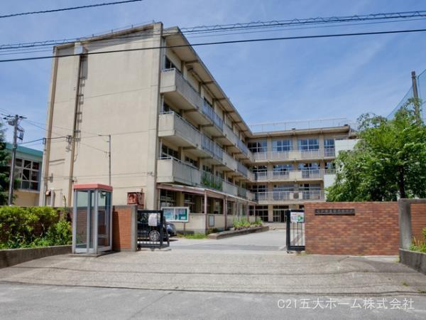 現地周辺松戸市立第六中学校 640m