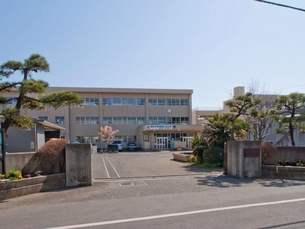 現地周辺茅ヶ崎市立第一中学校 1224m