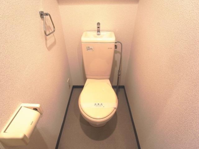 その他コンパクトで使いやすいトイレです