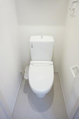 居室温水洗浄便座 便利な収納付き