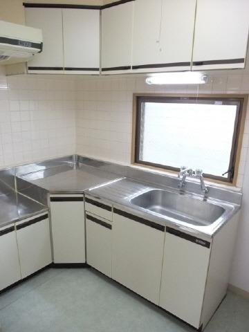 キッチン。写真は別号室になります