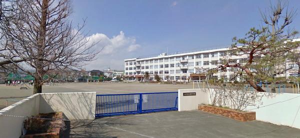 現地周辺八王子市立横川小学校 706m