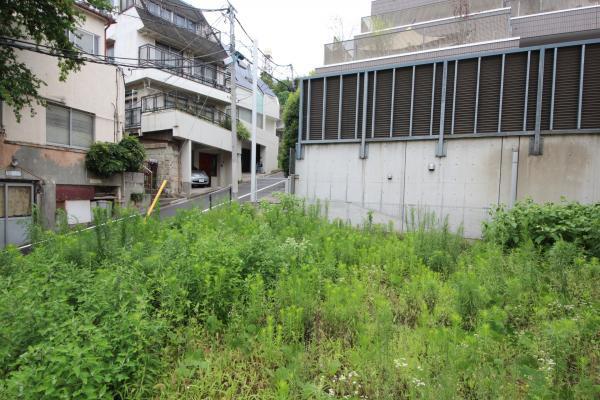 外観南西側道路に面した建築条件なし売地