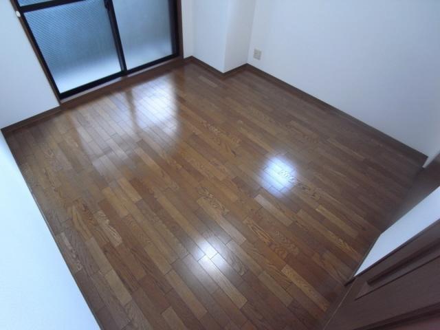 居室個人の部屋や寝室として使える洋室です