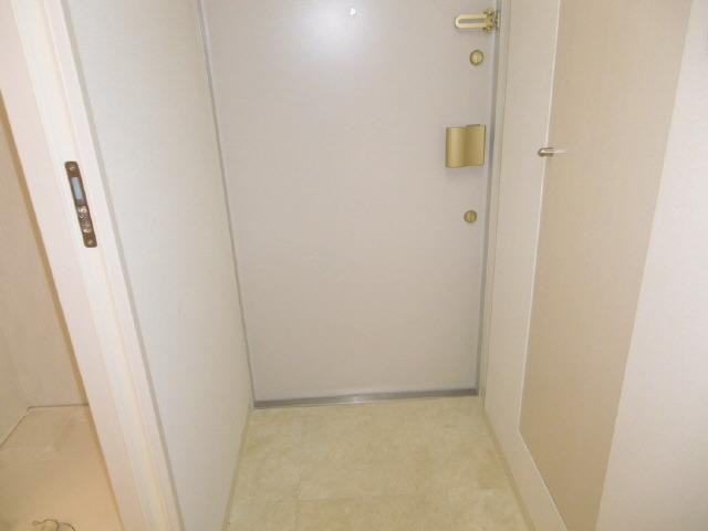 玄関ドアの鍵は2ロック