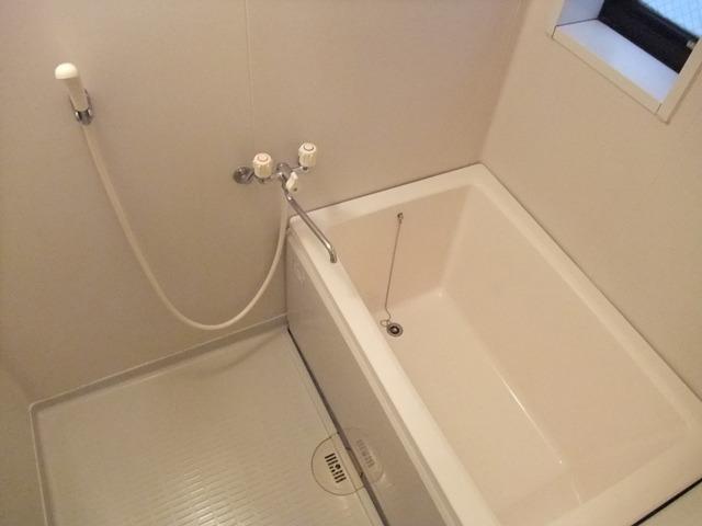 居室浴室に窓があるのは嬉しいですね