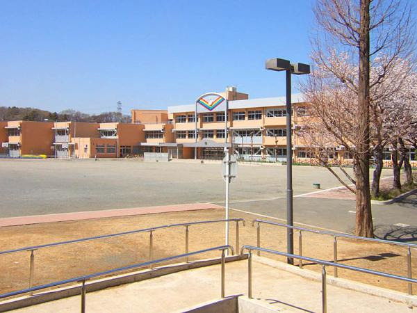 現地周辺平尾小学校